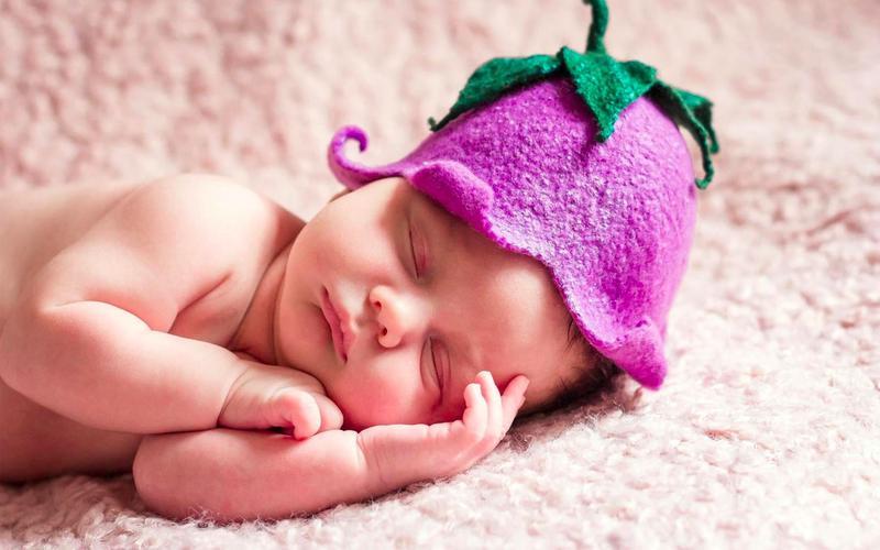 Если бы ребёнок после рождения рос с такой же скоростью, как и в теле матери, к году его рост составлял бы 2 км.