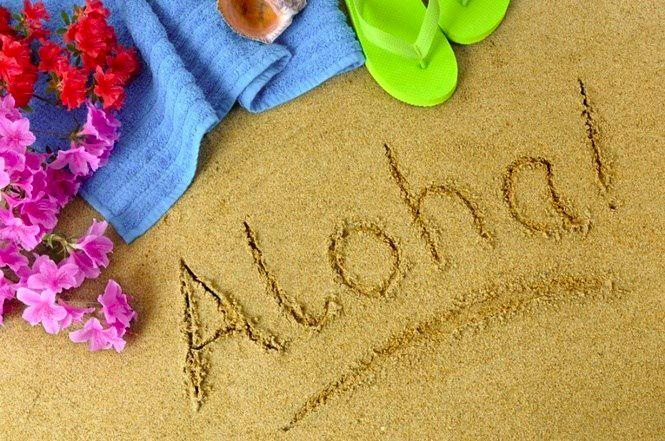 Гавайский алфавит считается самым коротким в мире — в нем всего 5 гласных и 8 согласных. Но овладеть им не так-то просто — многие термины являются многозначными, а сам язык состоит из мягких звуков.
